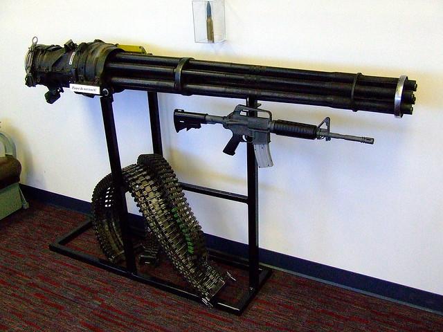 20mmバルカンとM4の比較