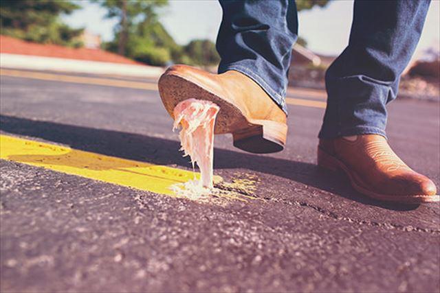 靴に付いたガムの取り方