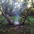 この発想は無かった!焚き火が長時間燃える薪の組み方!!【アウトドア好き必見】