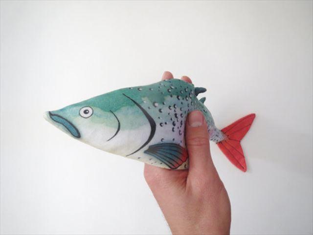 虹鱒のアイピロー