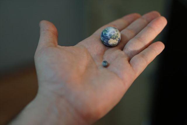 3Dプリンター「地球と月の大きさ比較」
