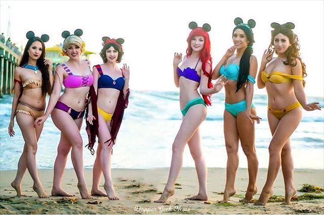 ディズニーの女性キャラをイメージしたビキニ水着
