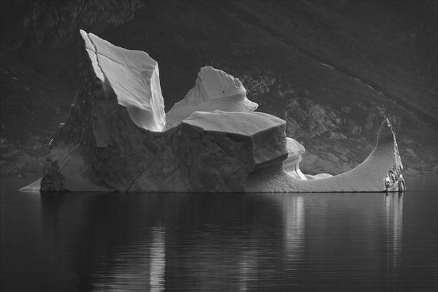 北極の氷が気候変動により変化した100年前と現在の比較写真