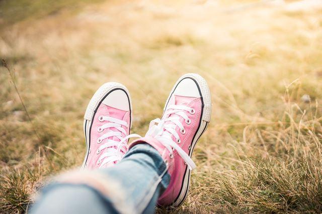 靴紐の結び方を変えるだけでスニーカーがお洒落になる結び方