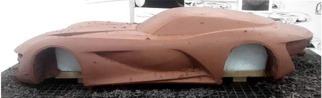 メルセデス・ベンツ 新型SLコンセプトのモデルメイキング クレイ削り作業