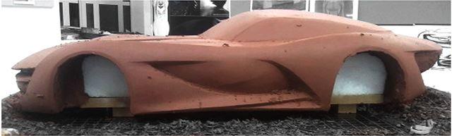 メルセデス・ベンツ 新型SLコンセプトのモデルメイキング クレイ下地調整作業