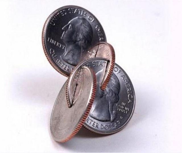 お金(コイン)のクイズ問題 貨幣損傷等取締法 違反のクイズ