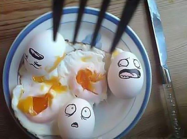 食べられる恐怖 卵アート【エッグアート画像】