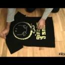 Tシャツを2秒で畳む方法