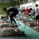 競輪の漕ぐスピードはハンパ無く速い