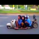 世界で一番シャコタンな3人乗りバイク