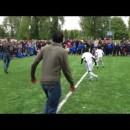 ファンペルシーの子供に容赦ないフリースタイルサッカー