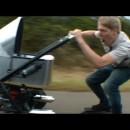 世界最速のベビーカーの動画